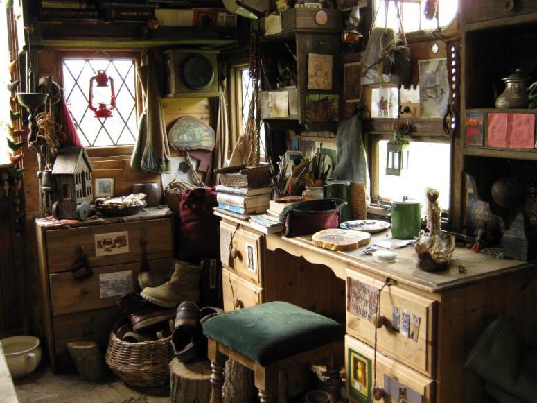 bedford interior - rima's painting desk cornersmall